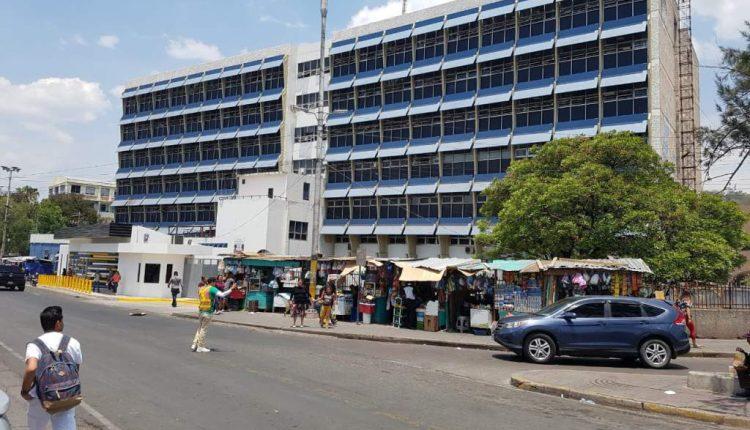Hospital Escuela descongela 130 plazas para darlas a sus empleados