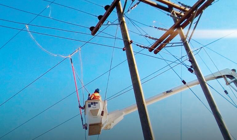 Dante Mossi: «Estamos dispuestos a apoyar para seguir saneando el sector eléctrico»