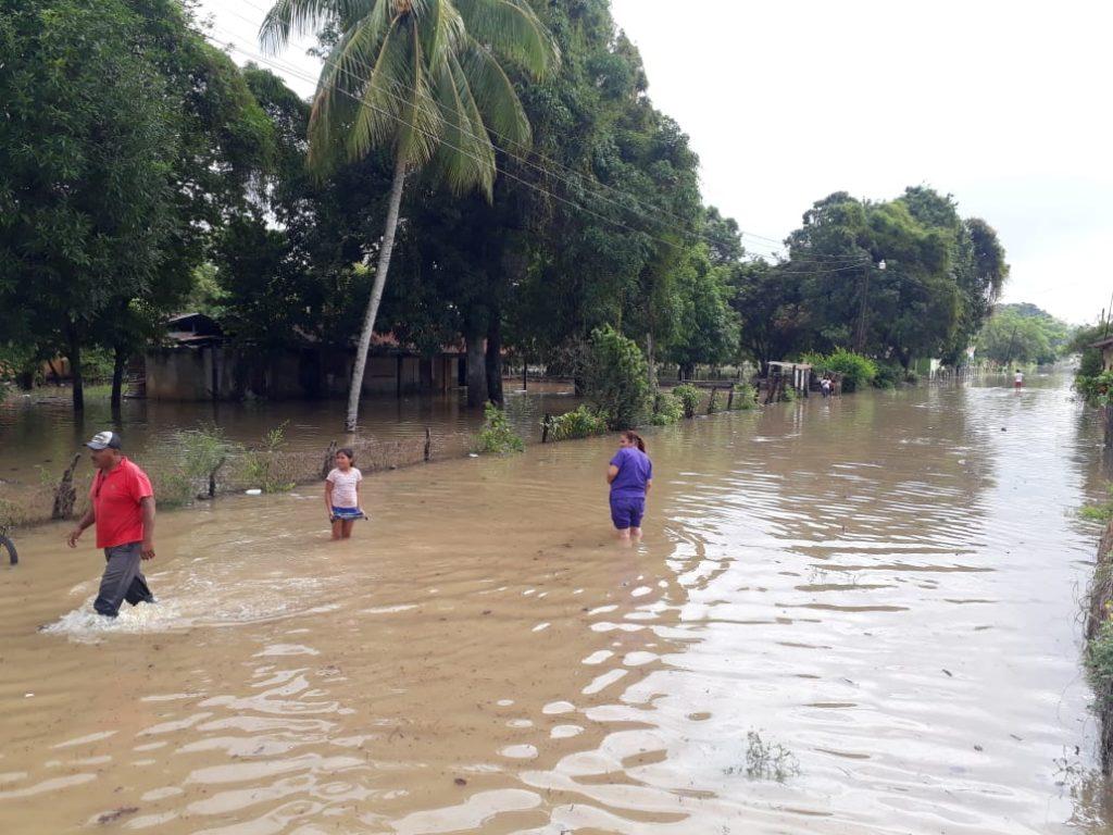 Alcalde de Concepción, Santa Bárbara: «Estamos viviendo el doble del Huracán Mitch, en tan solo dos días»