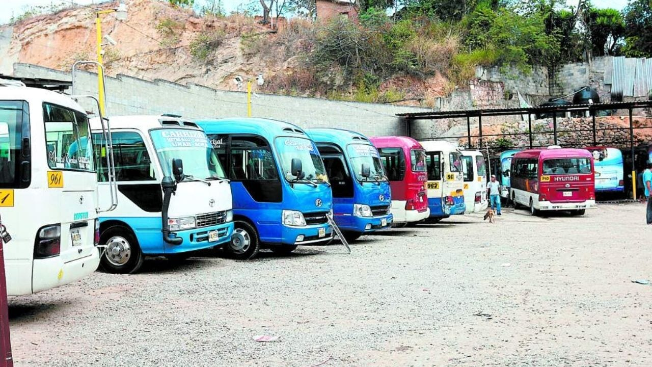 Paro de labores anuncian dirigentes del trasporte Interurbano de Honduras