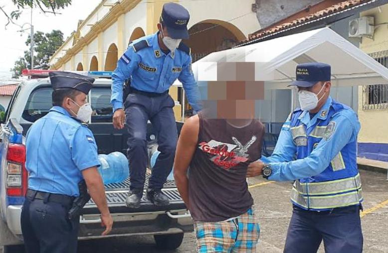 Choluteca: Joven asesina a un anciano porque no le pago un dinero