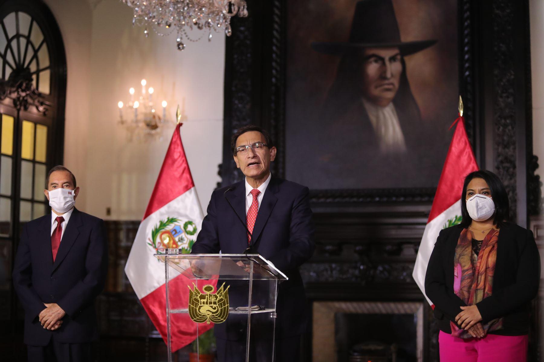 Martín Vizcarra presidente de Perú corre riesgo de destitución