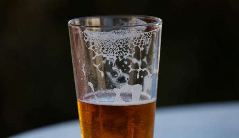 Más de 30 muertos y decenas de intoxicados por consumo de alcohol adulterado en Costa Rica