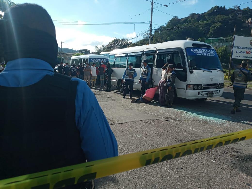 Acribillan a conductor de bus «rapidito»  en el bulevar FFAA de la capital