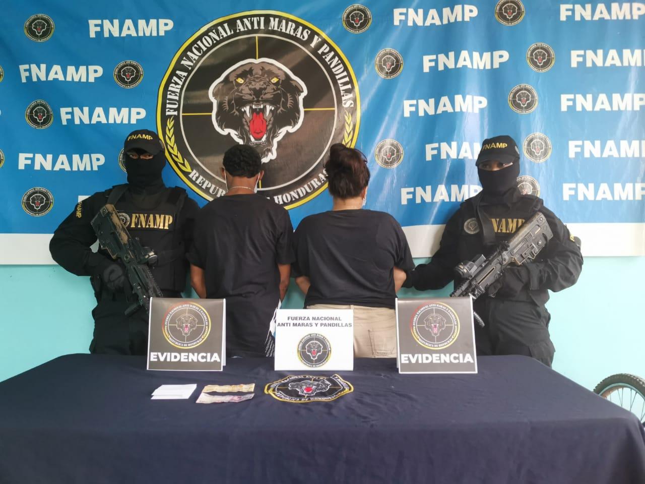 Detienen a dos menores presuntos extorsionadores de la pandilla 18