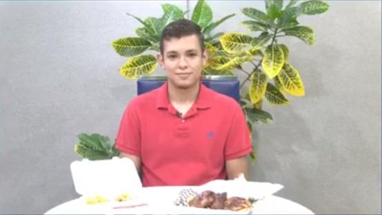 """Ante situación por covid-19 estudiantes crean """"La Cocina del Profe"""" para apoyar a su tío que padece de cáncer"""
