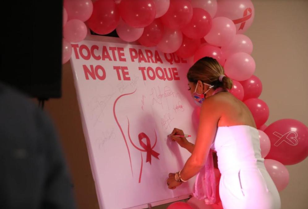 Ciudad Mujer lanza la campaña «Tócate, para que no te toque» en el mes del Cáncer de mama