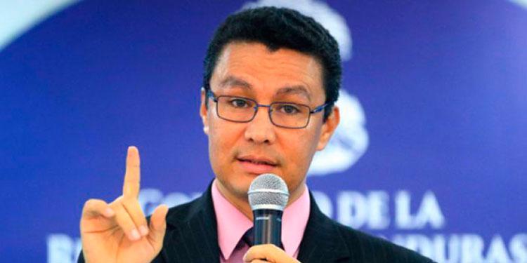 Ebal Diaz:  «No habrá un manejo irresponsable de las finanzas públicas»