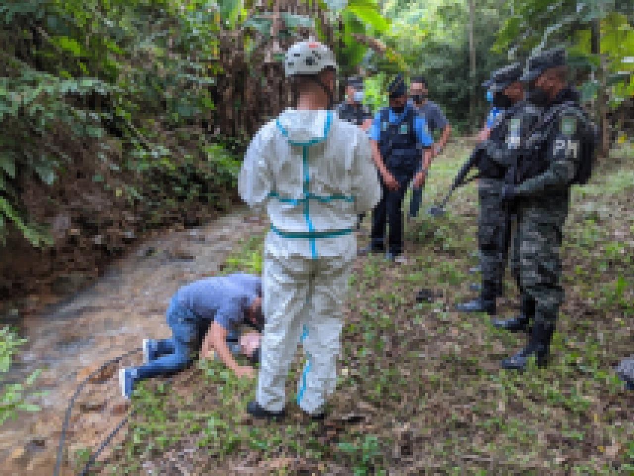 Muere una persona de la tercera edad al caer a precipicio en Valle de Ángeles