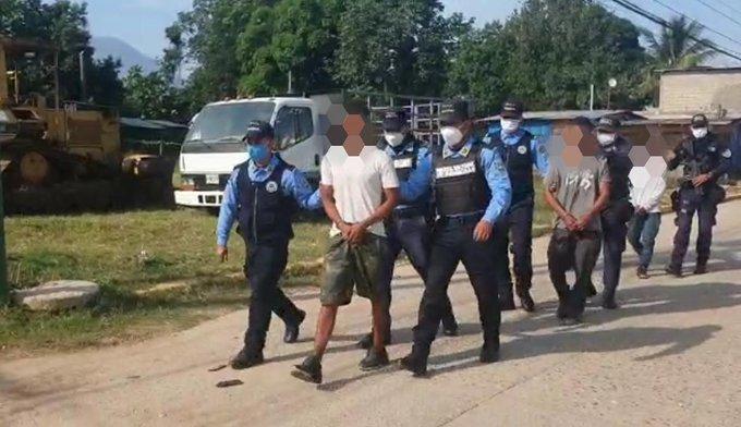 Tres supuestos integrantes de la banda delictiva «Los Banegas» fueron detenidos en Yoro.