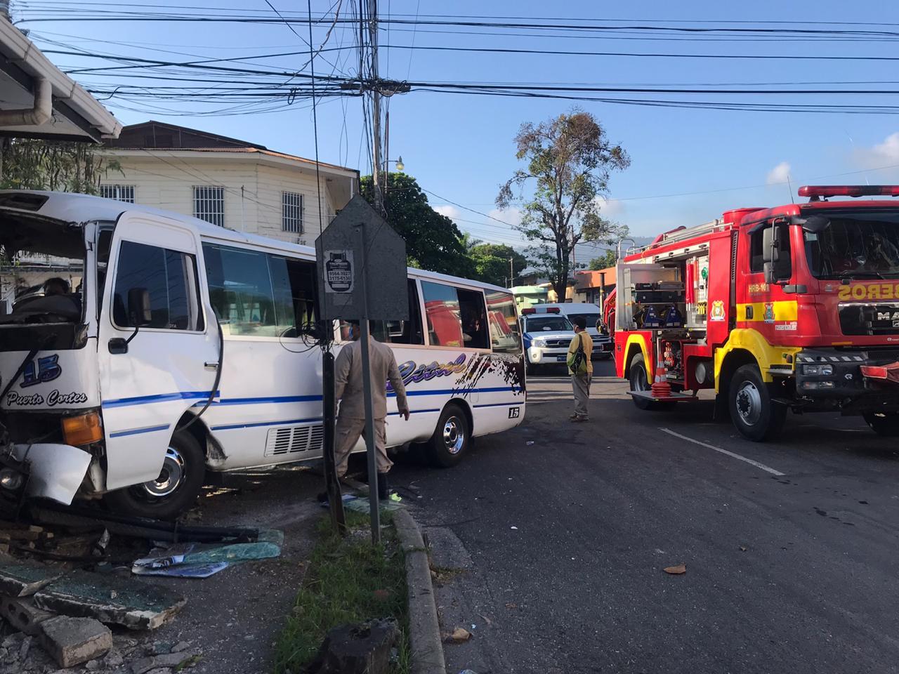 Hasta 3 años de cárcel podría purgar «busero» que  que provocó accidente en el barrio Paz Barahona de SPS