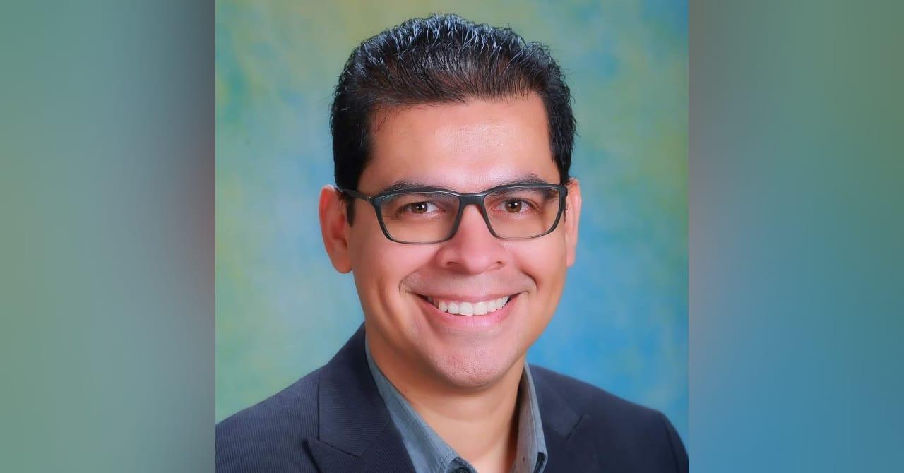 Psicólogo Warren Ochoa: «La solución a la pandemia es la solidaridad y no la discriminación»