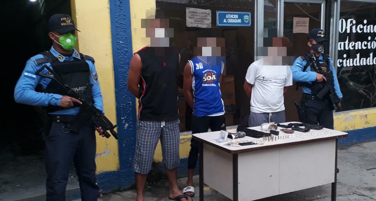 Cortés: Tres integrantes de grupo delictivo son detenidos en posesión de droga