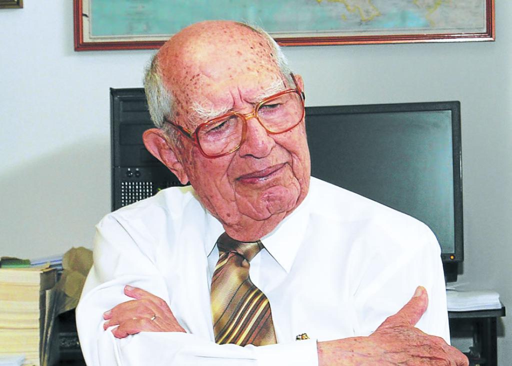 Jorge Bueso Arias un empresario exitoso a sus 101 años