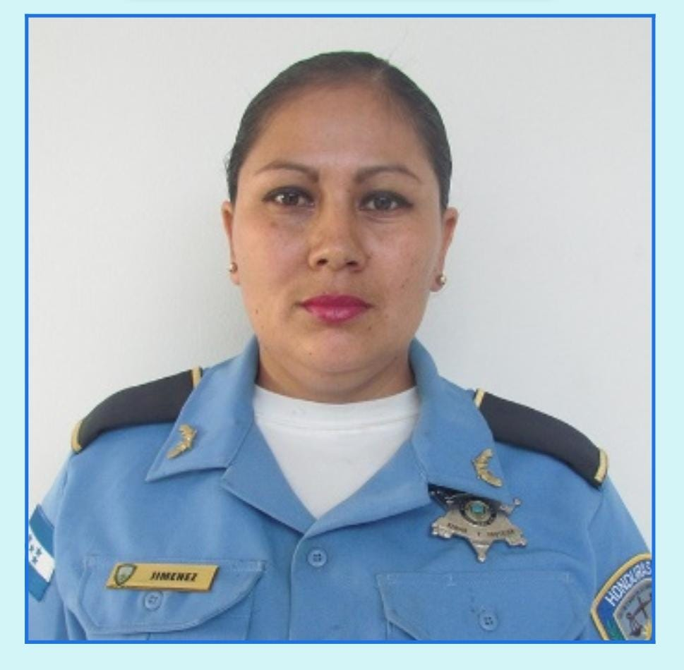 ¡Policía guerrera! pierde la batalla en la lucha contra el cáncer de mama