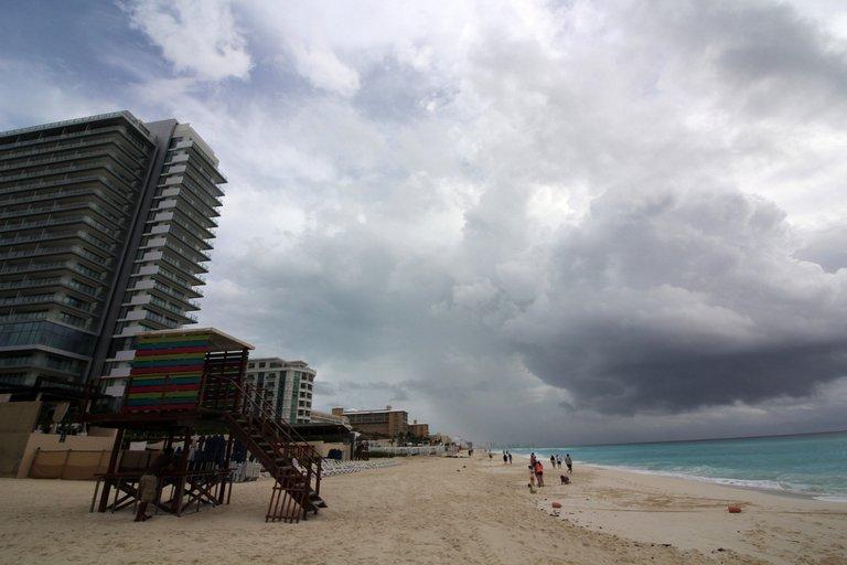 Cancún y Quintana Roo en alerta roja por la llegada de la «Tormenta Tropical Gamma»