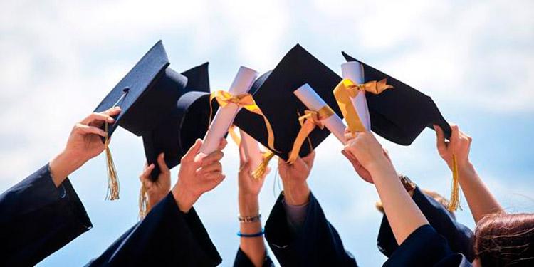 Educación proyecta que unos 43,000 estudiantes de Media se graduarán este año