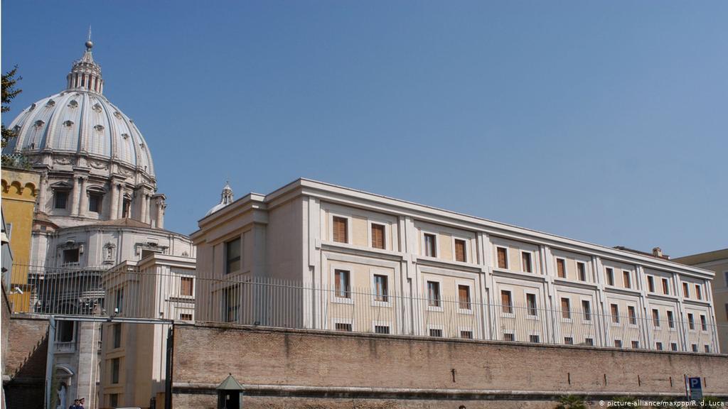 Vaticano confirma un caso de Covid-19 en la residencia del papa