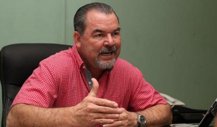 Roberto Contreras tira la «Toalla» nuevamente  en política