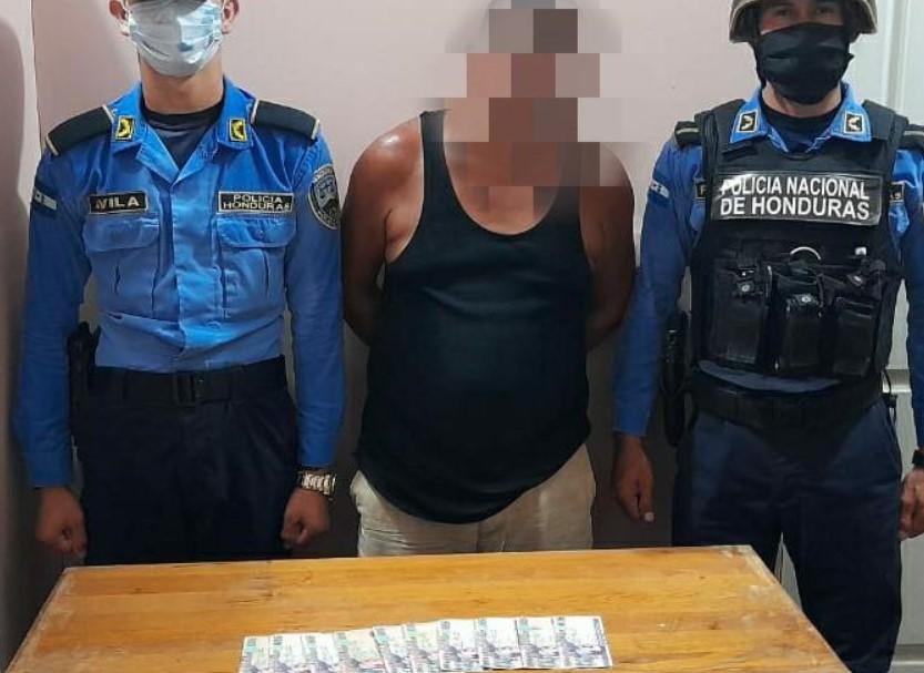 Es detenido por internar sobornar a policías con L. 5,000 cuando conducía en estado de ebriedad