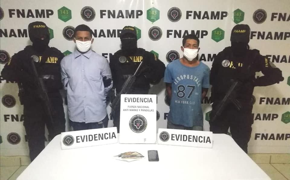 """Policía captura a """"Baño"""" y """"Traquetero"""" supuestos miembros de la Pandilla 18 en la capital"""