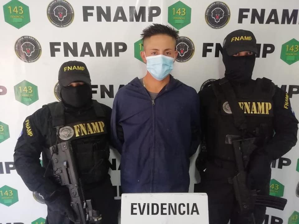 """Por extorsión capturan a """"El Cabe"""" de la pandilla 18 en la capital"""