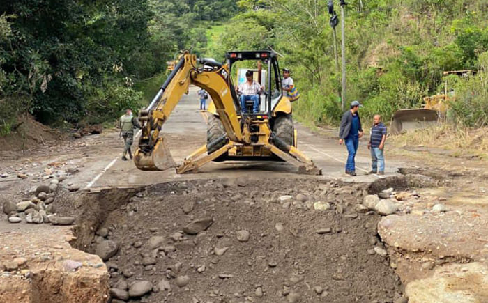 Sedecoas habilita el paso vial en 55 zonas afectadas por Eta e Iota en el país