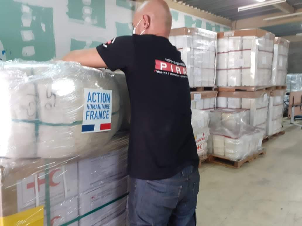 Francia envía a Honduras y Guatemala 35 toneladas de ayuda humanitaria para damnificados