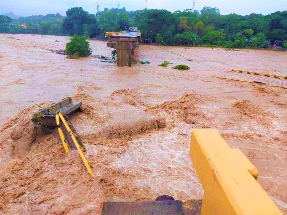 Invest-H gira instrucciones a empresas constructoras para reconstrucción de infraestructura vial dañada por huracanes