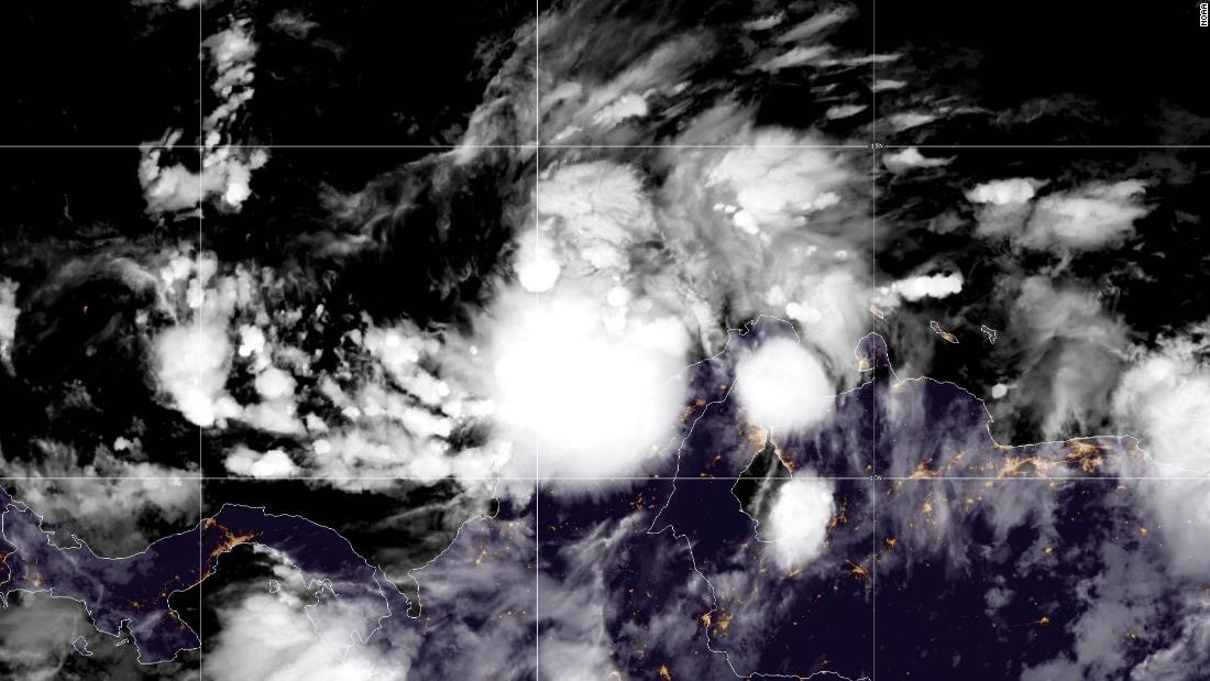Huracán Iota se fortalece y ya es categoría 2