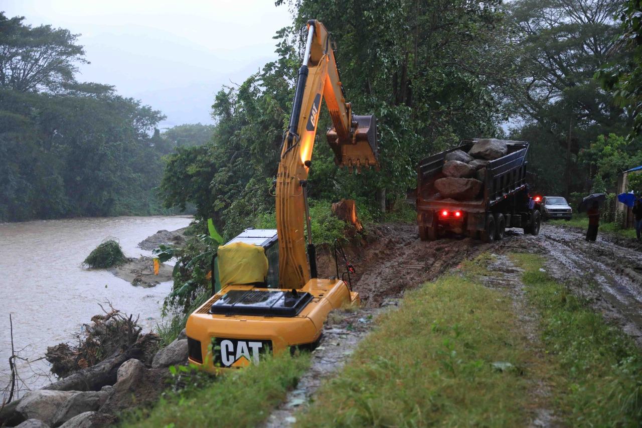 Construyen obras de mitigación sobre el río Bermejo en colonia Stibys de SPS