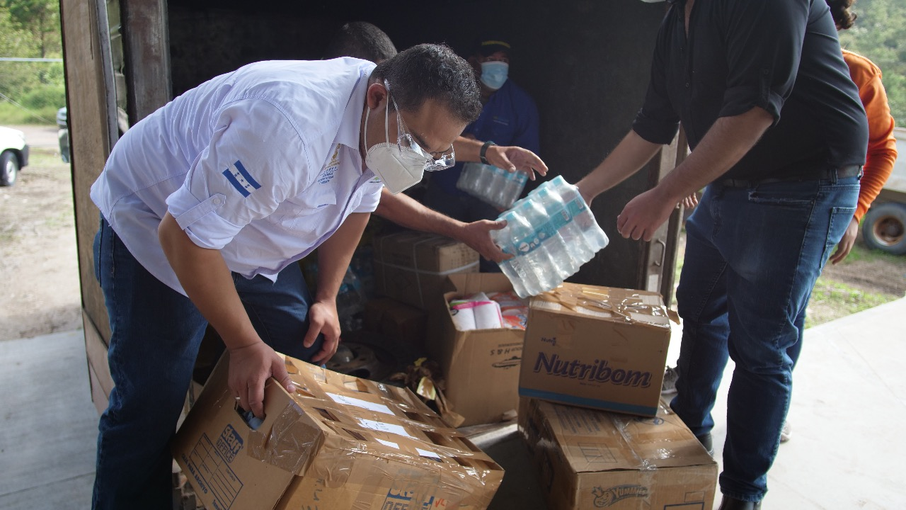 Mi Ambiente brinda ayuda humanitaria a familias en Copán afectadas por Eta