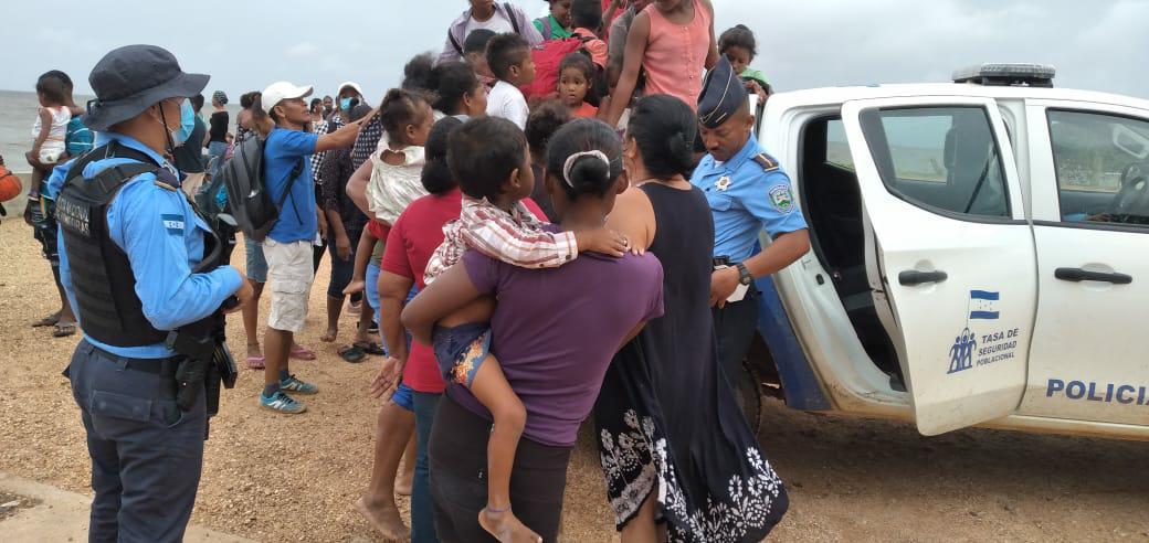 Evacuar hasta el último momento puede ser muy tarde ante llegada de huracán Iota, señala director de Protección Civil de Colombia