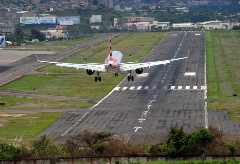 Aeropuertos de Tegucigalpa, La Ceiba y Roatán seguirán operando de manera normal