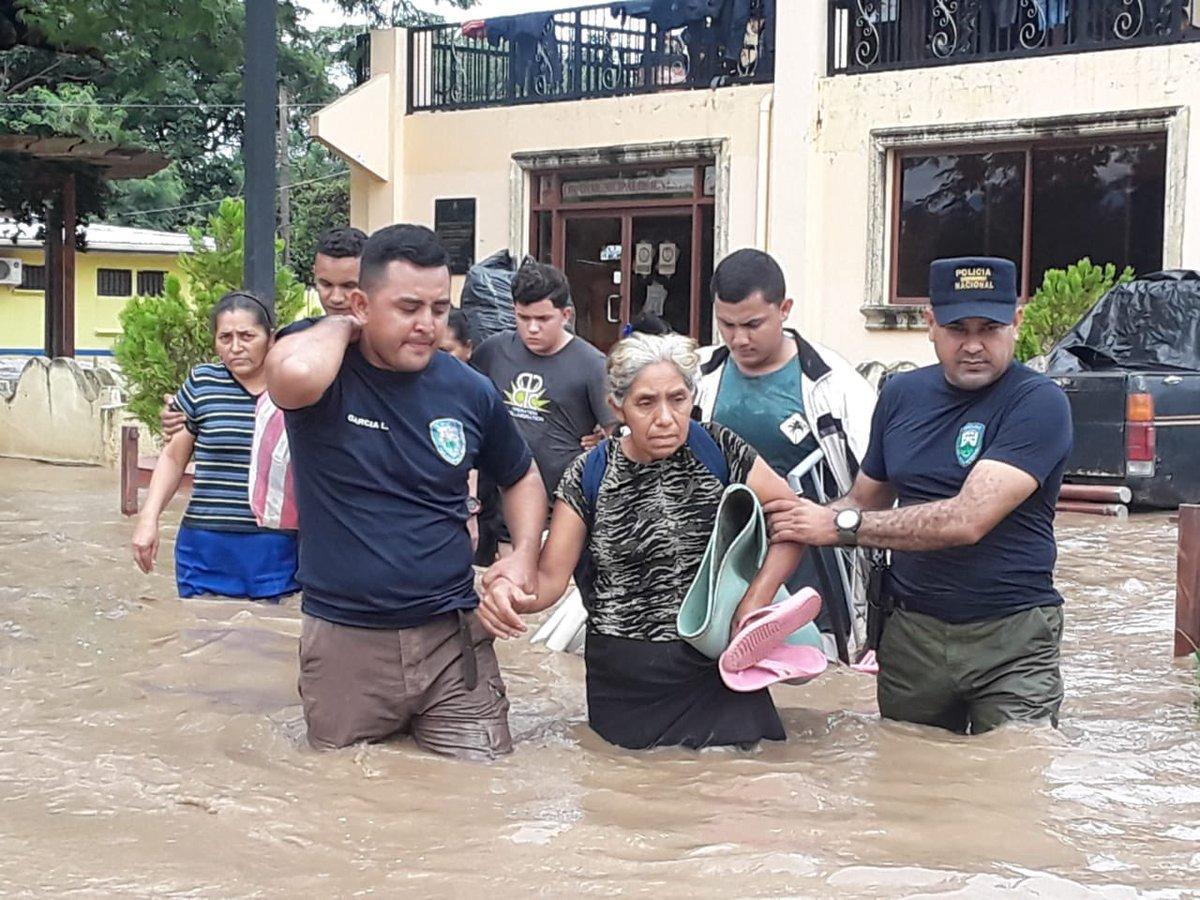 Comisario de Policía : «Aún siendo parte de los damnificados de este desastre, seguimos de pie junto al pueblo Limeño»