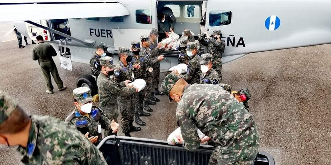 Comandante Barrientos: Fuerza Aérea rescata a más de 1.000 personas en menos de 30 horas en el Valle de Sula