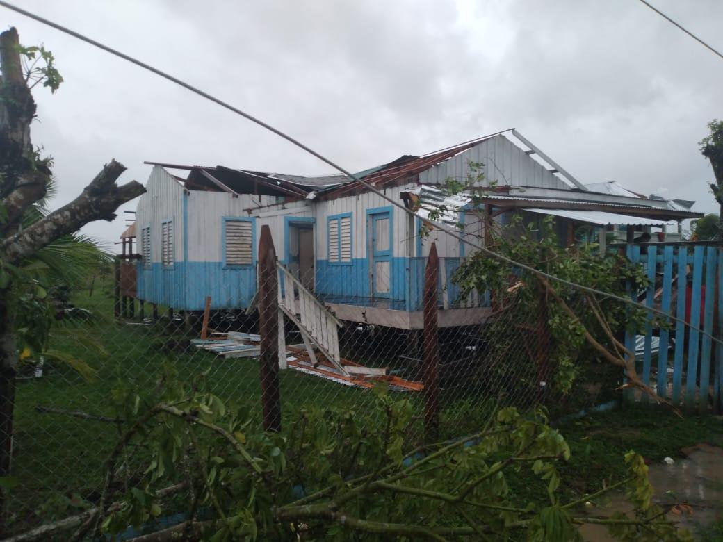 Llueve copioso desde ayer en Wampusirpi y vientos provocan daños en viviendas