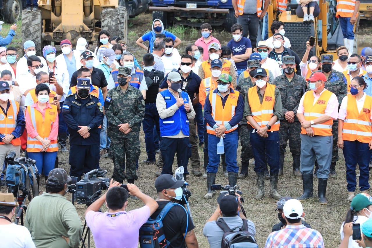 Presidente Hernández lanza masiva operación de limpieza en el Valle de Sula