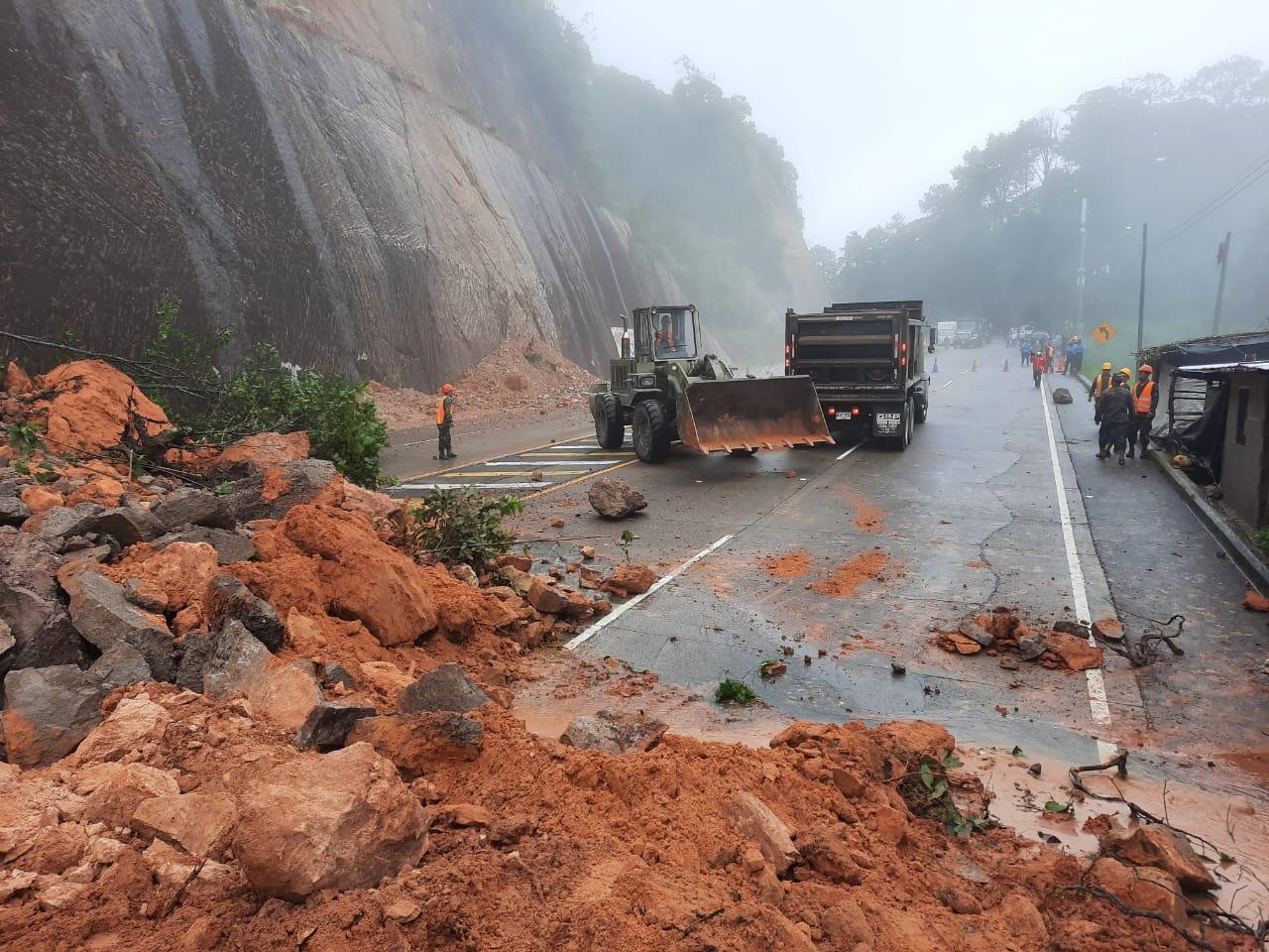 Cafetaleros piden remover escombros de las carreteras para poder transportar el grano