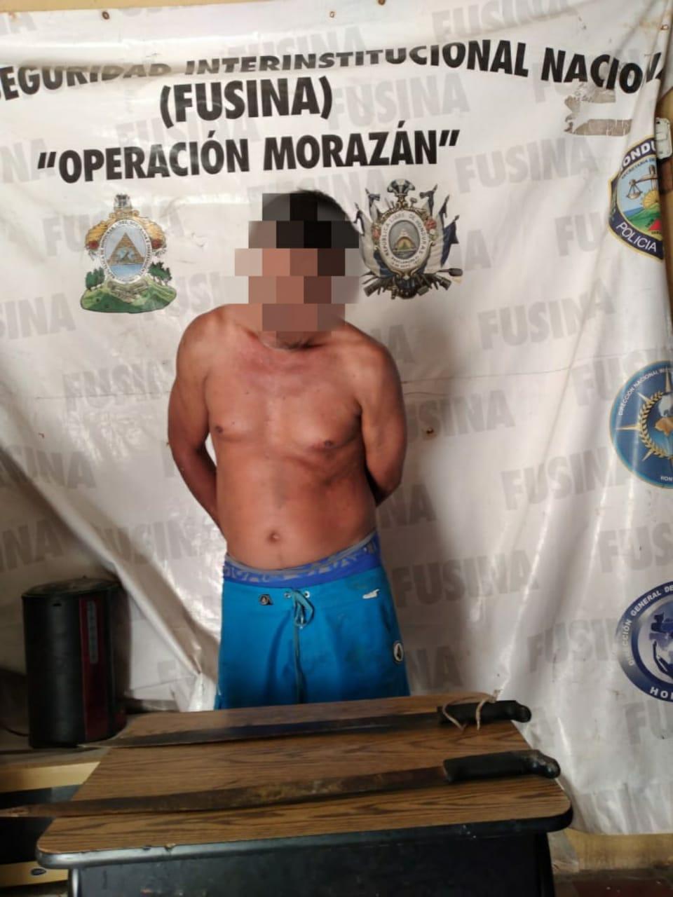 Capturan a sujeto tras intentar dar muerte a su madre con arma blanca en San Lorenzo, Valle