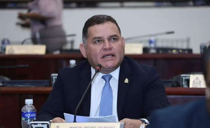 Diputado Velásquez pide al congreso eliminar iniciativa referente a los institutos de previsión