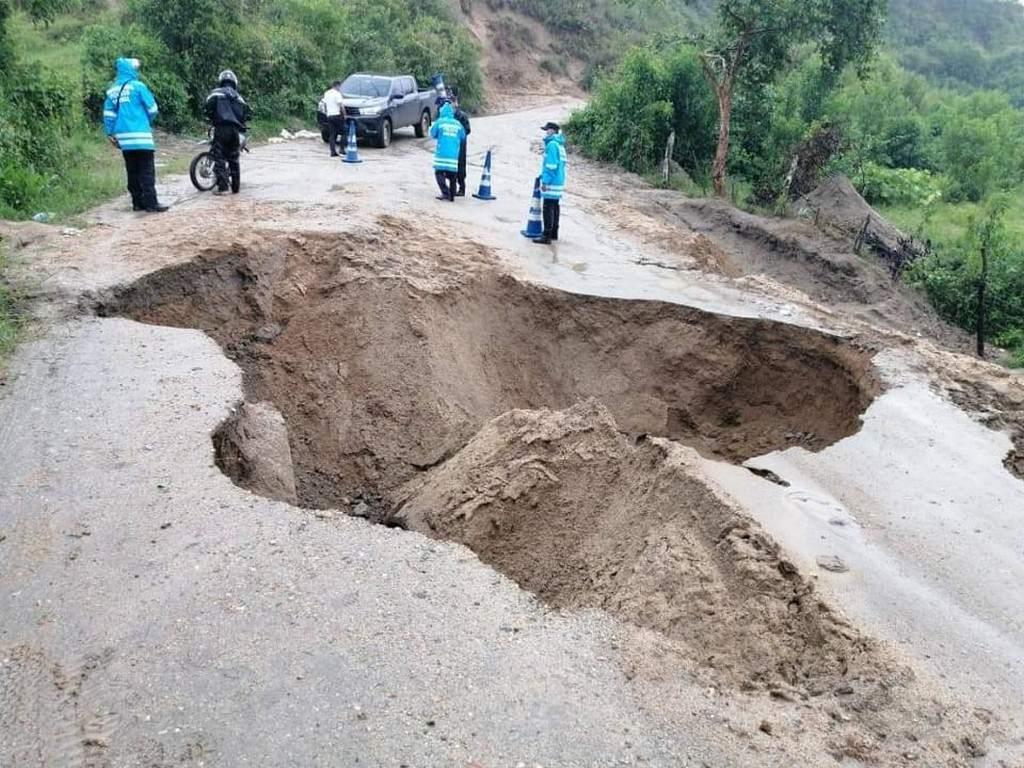 Alcalde  de Trojes : «Estamos incomunicados, necesitáramos  ayuda humanitaria y  maquinaria para habilitar  carreteras»