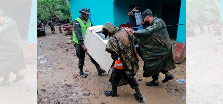 Prevención ante llegada de Iota: Comienzan evacuaciones obligatorias en la comunidad de Prieta, Tocoa, Colón