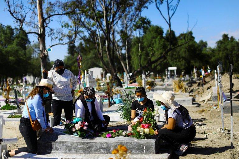 México se convierte en el cuarto país en superar las 100,000 muertes por Coronavirus