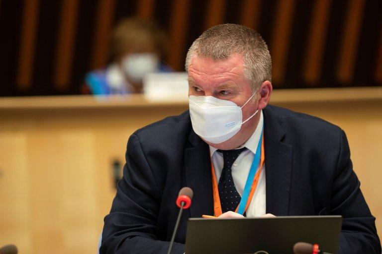 Director regional de la OMS para Europa considera que los confinamientos son una «pérdida de recursos»