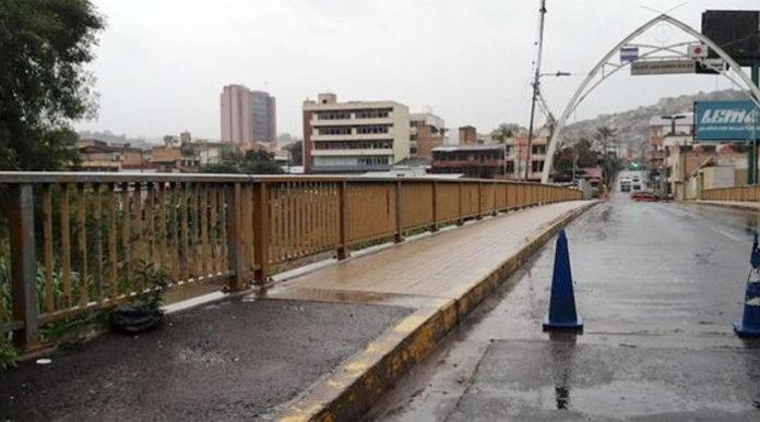 Cierran accesos a puentes que comunican a Tegucigalpa y Comayaguela