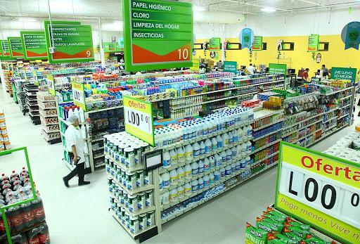 Supermercados pueden atender al público sin restricción del dígito de circulación, anuncia ministro de Trabajo