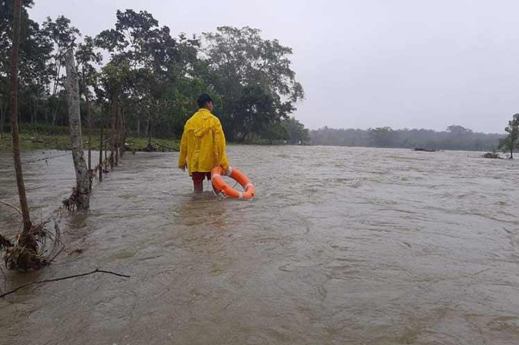 Primeras lluvias de huracán IOTA caerán en la Mosquitia hoy en la noche, según Copeco