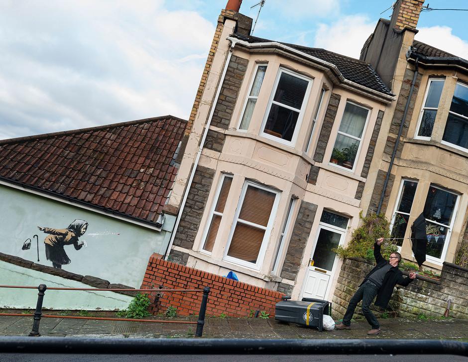 La nueva obra de Banksy: un estornudo en Bristol