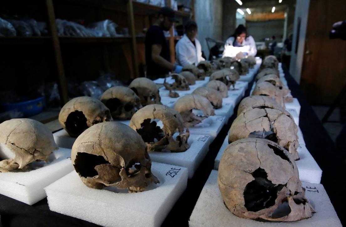 Encuentran en México torre azteca de cráneos humanos